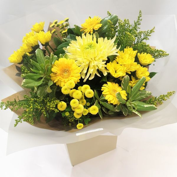 Golden Wedding Anniversary Handtied Handtied Flowers Same Day Next Day Delivery Les Fleurs Florist